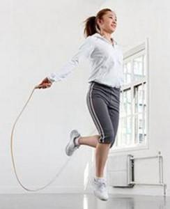 坚持跳绳减肥 让你健康享瘦美丽动人
